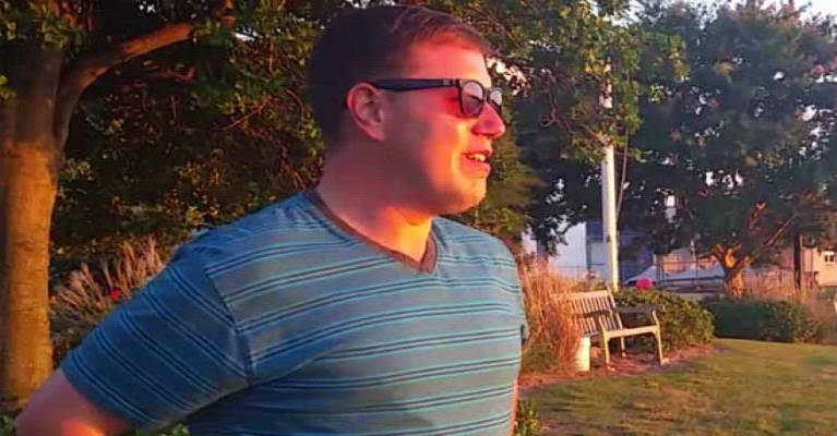 The VIDEO of Colorblind Man Seeing Sunset for the First Time Goes Viral